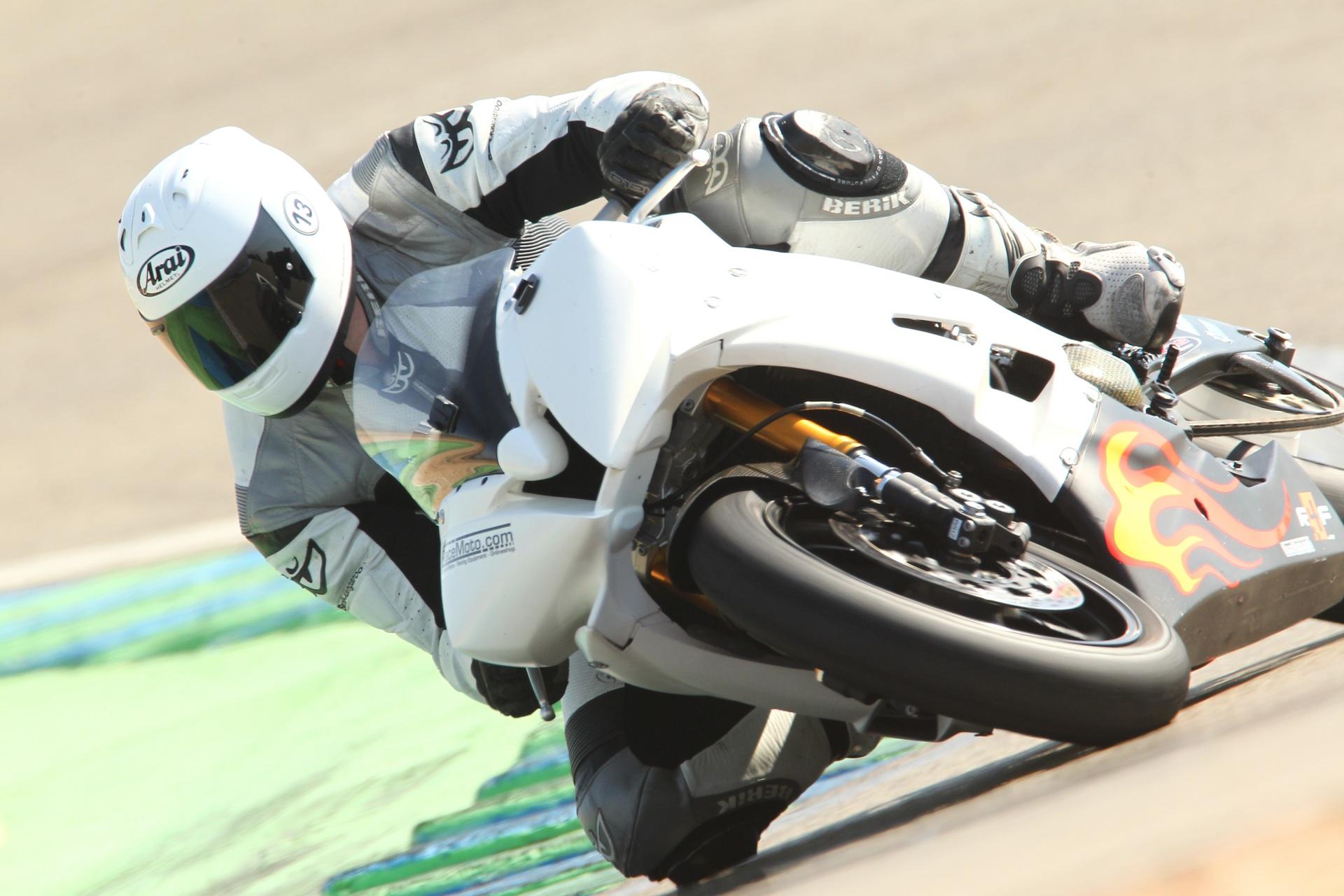 calafat_2012_racemoto_copyright_pixelrace_01