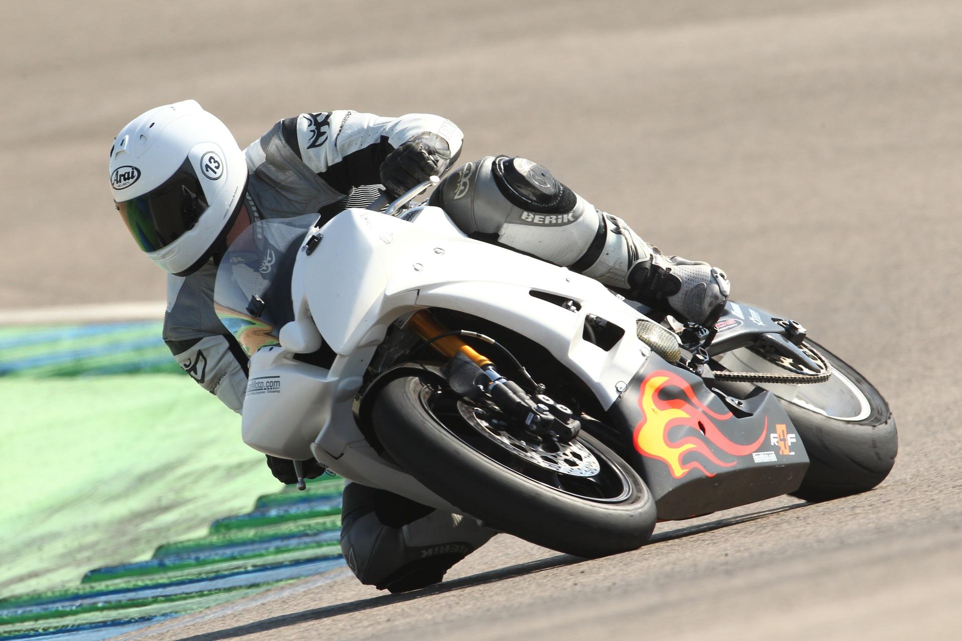 calafat_2012_racemoto_copyright_pixelrace_06