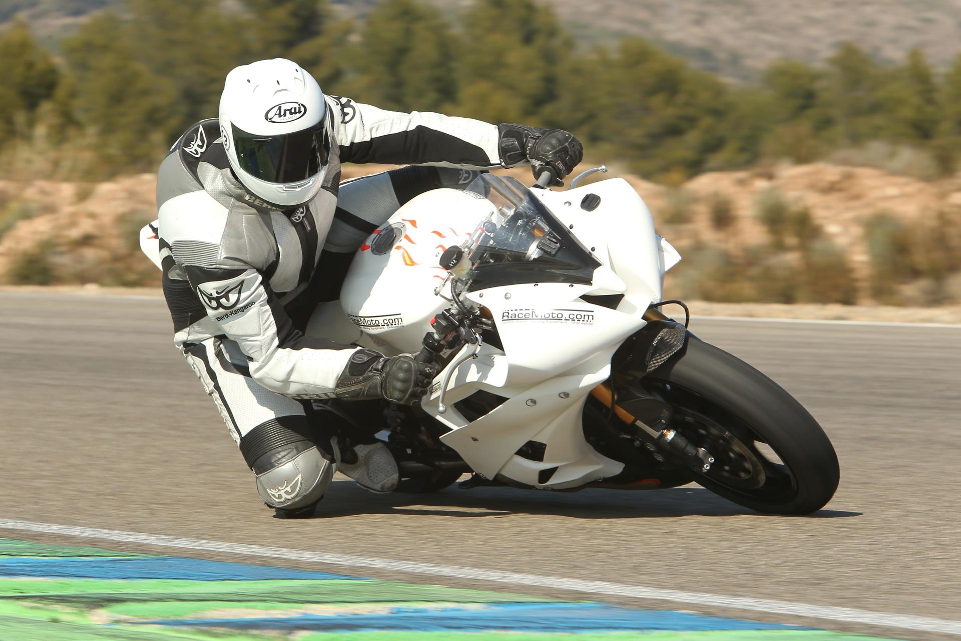 calafat_2012_racemoto_copyright_pixelrace_08