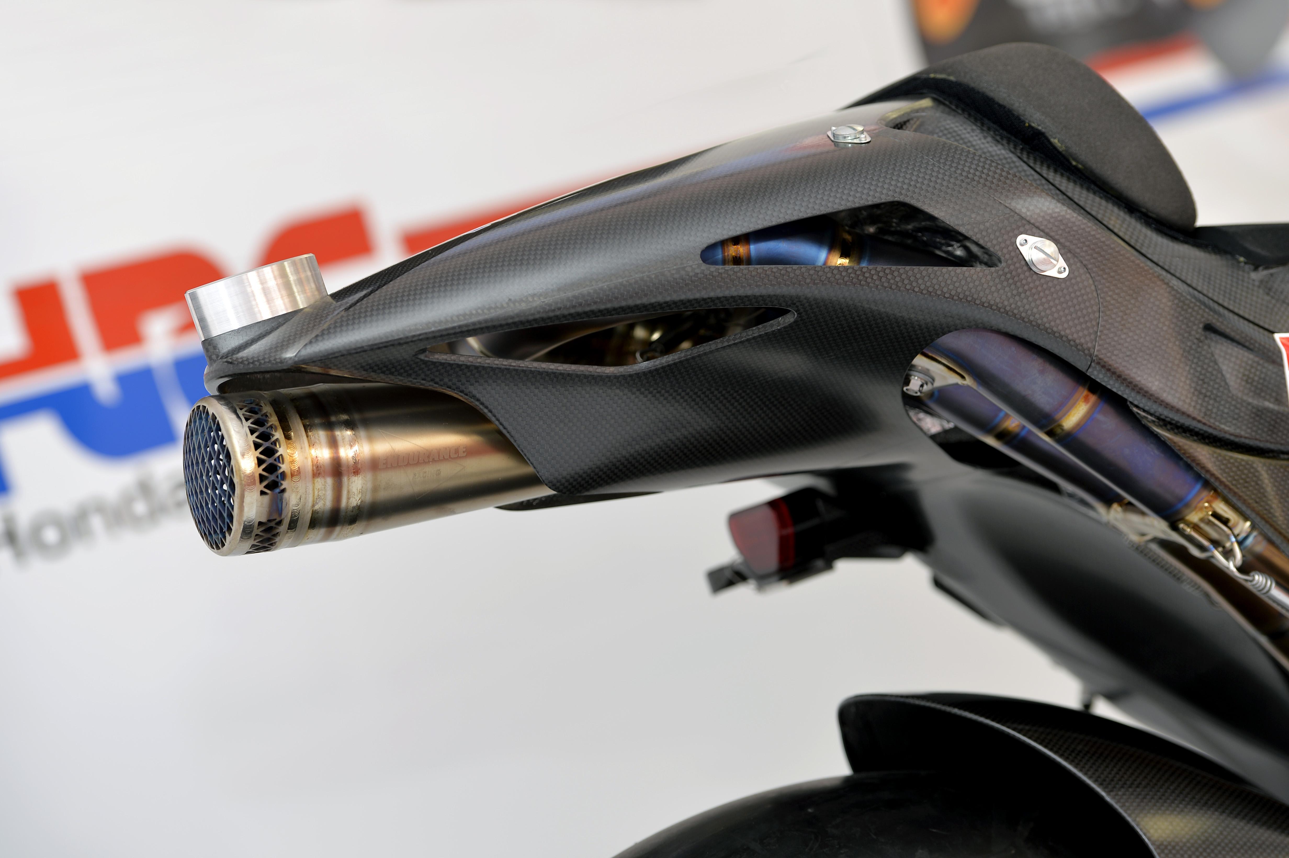 honda_rcv1000r_motogp_production_racer_www_racemoto_com_003