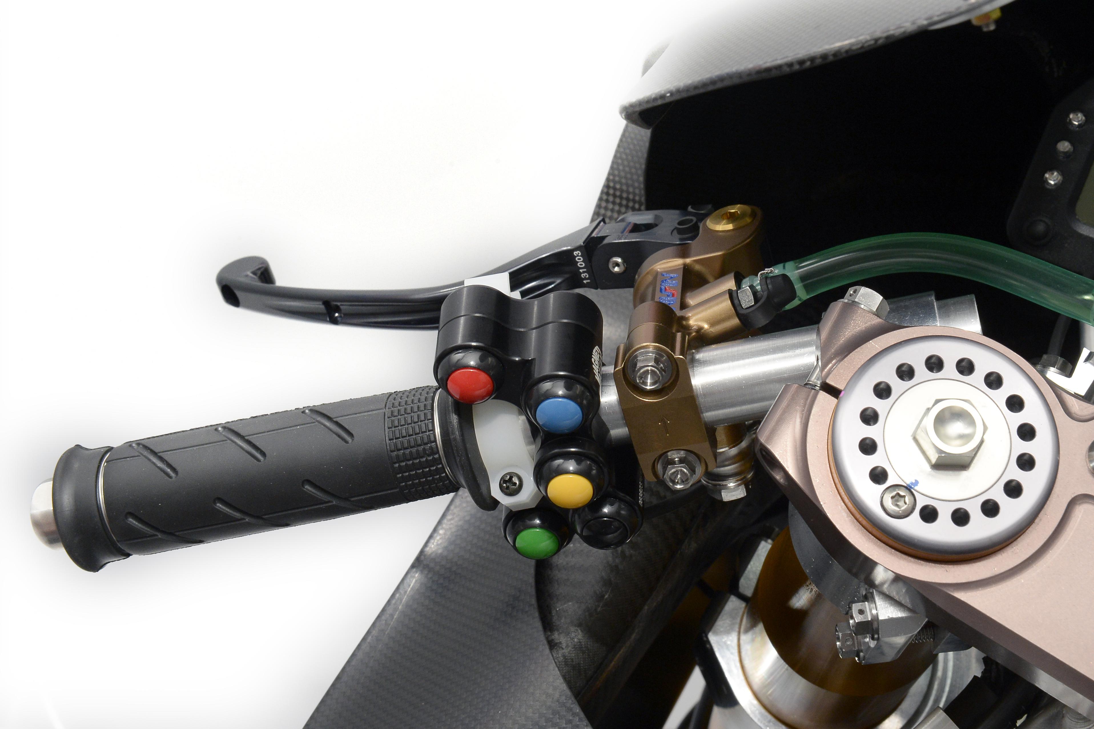honda_rcv1000r_motogp_production_racer_www_racemoto_com_006