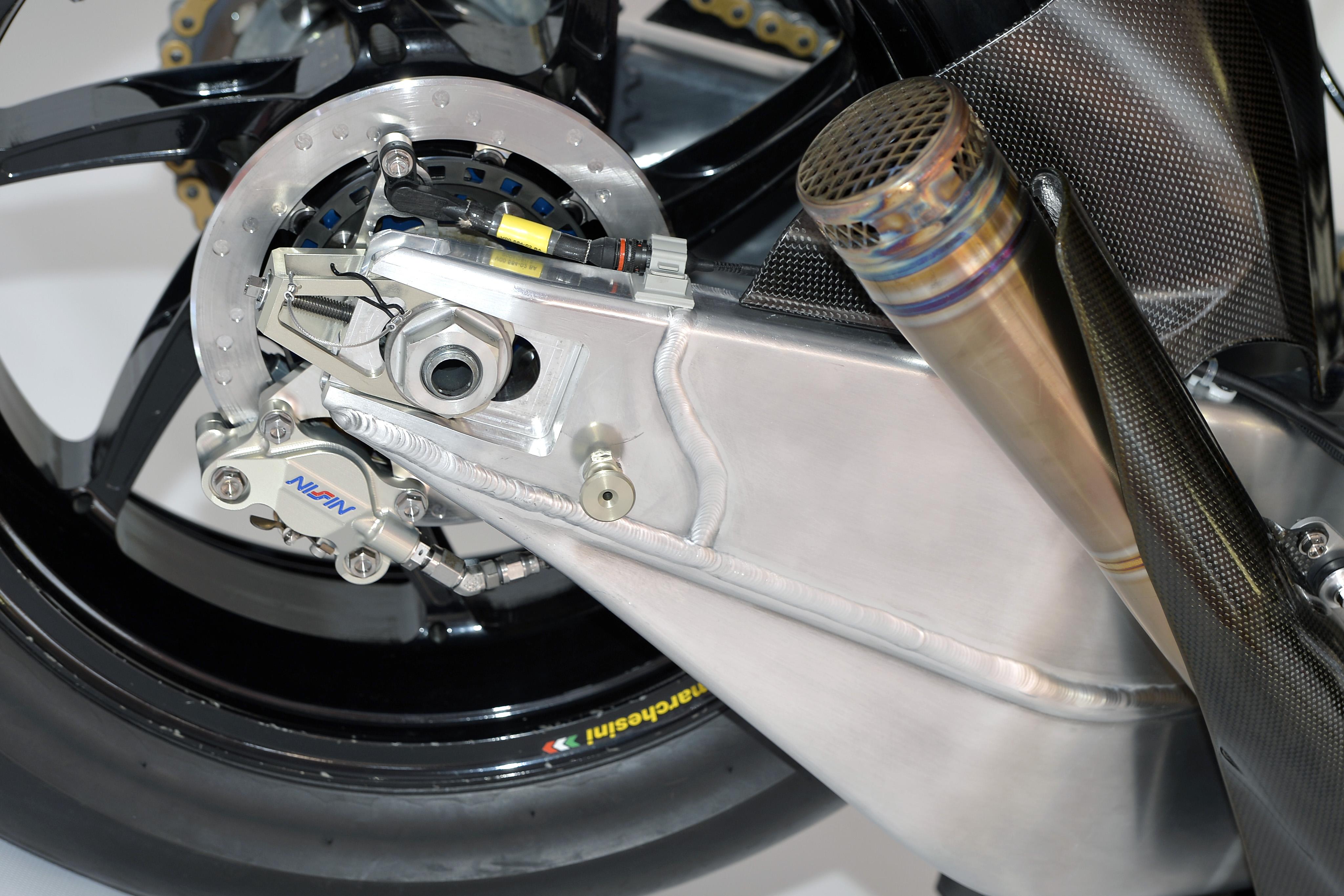 honda_rcv1000r_motogp_production_racer_www_racemoto_com_010