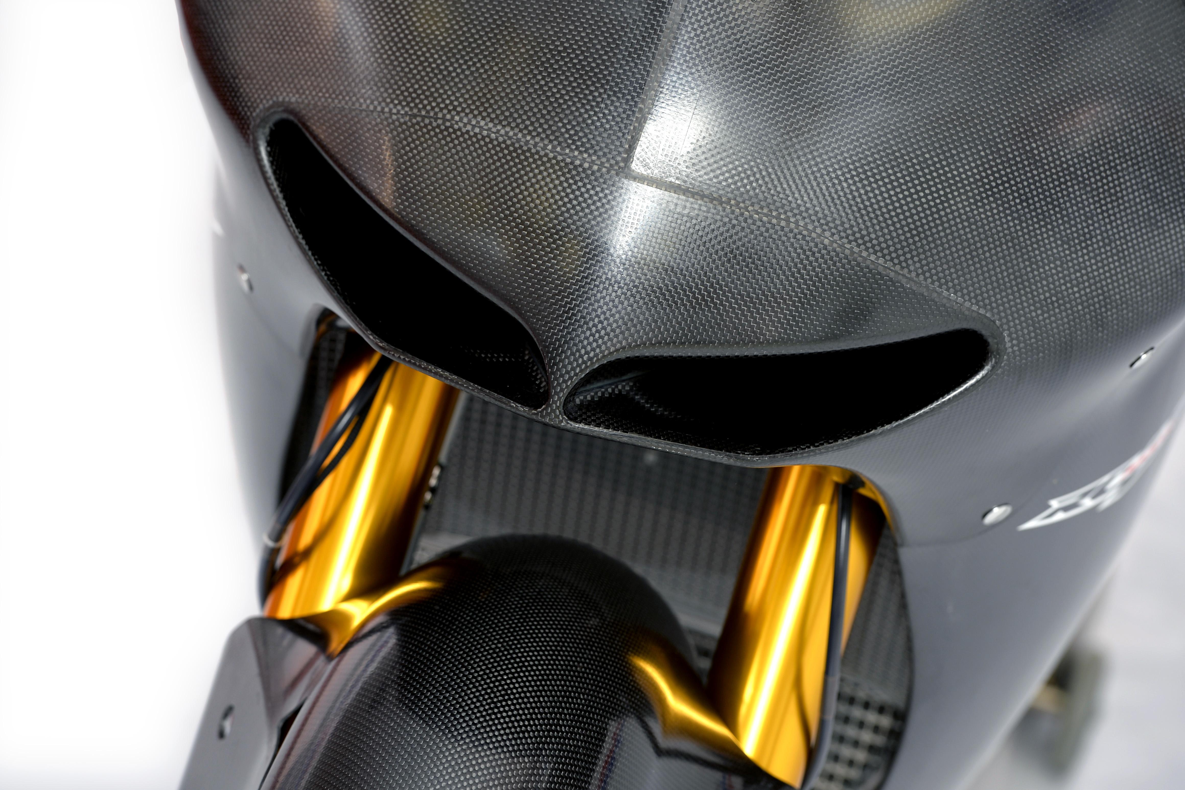 honda_rcv1000r_motogp_production_racer_www_racemoto_com_016