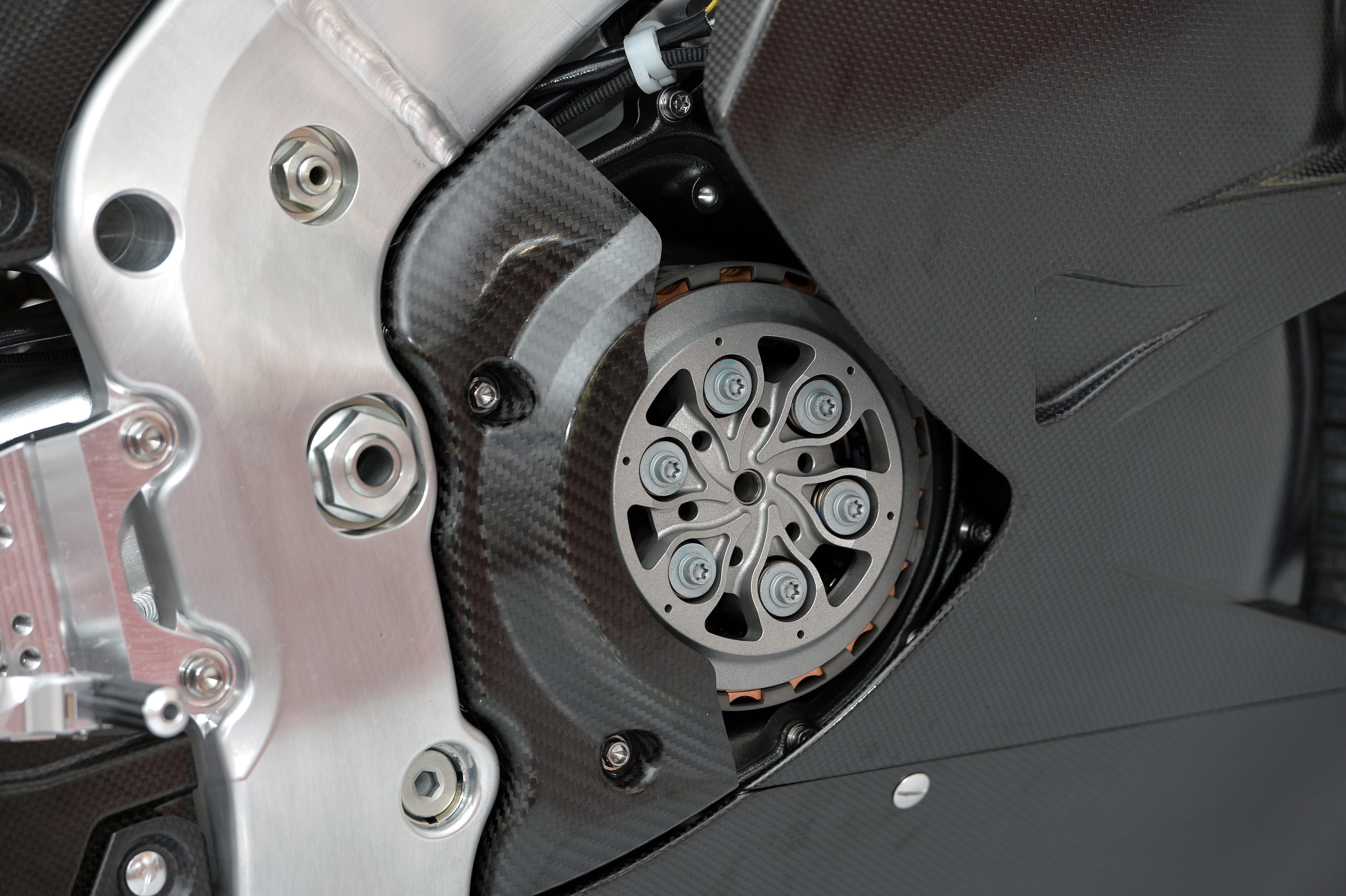 honda_rcv1000r_motogp_production_racer_www_racemoto_com_019