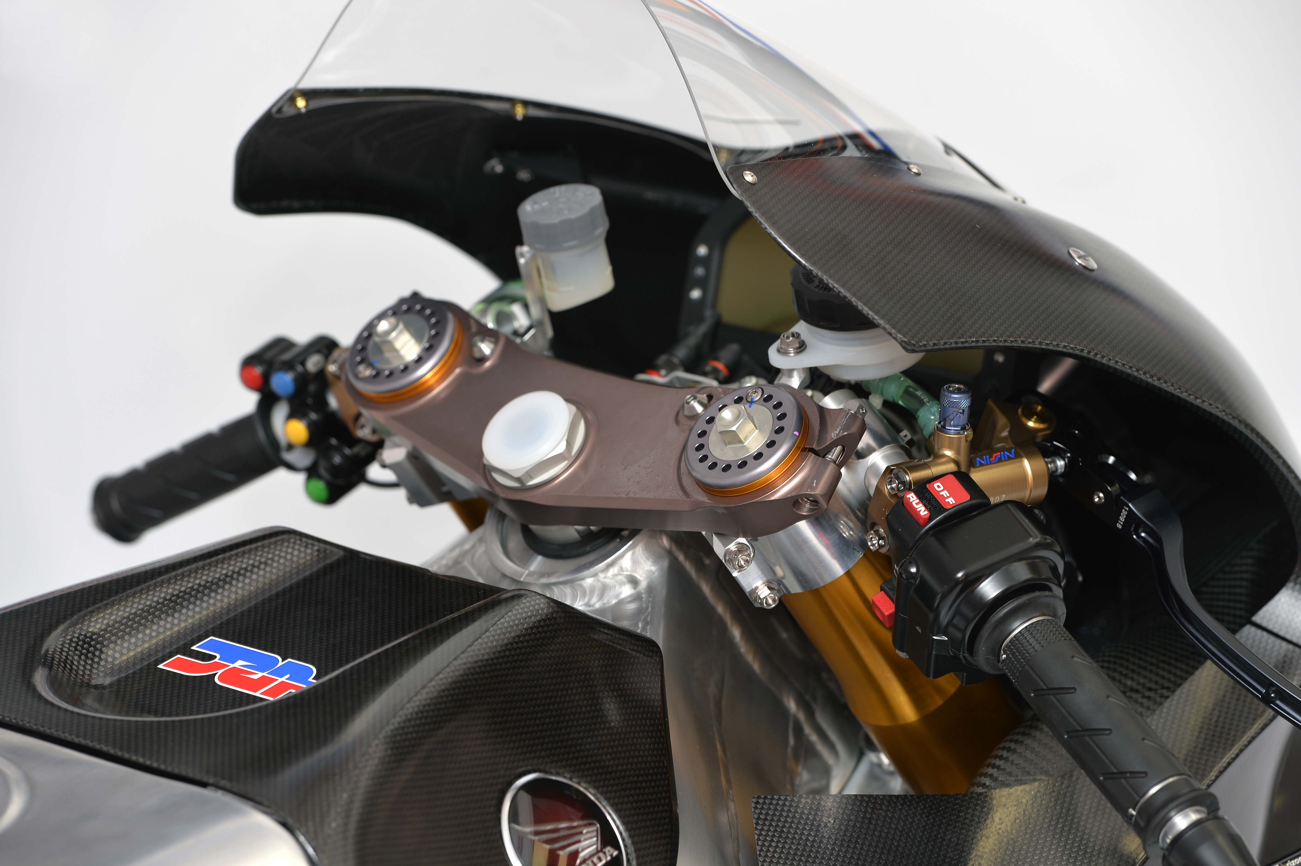 honda_rcv1000r_motogp_production_racer_www_racemoto_com_020